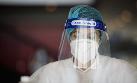 healthcare-worker-frontline-Covid-19-hospital-staff-PPE-face-shield-mask-123rf
