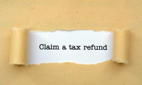 tax-e-filing-tax-refund-claim-SARS-taxpayer-paper-work-123rf