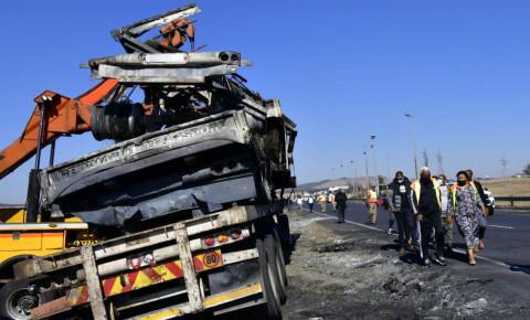 burnt-out-truck-near-mooi-plaza-kznjpg