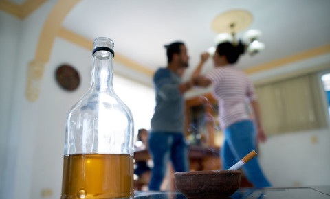 Alcohol gender-based violence gbv 123rf 123rflifestyle domestic abuse