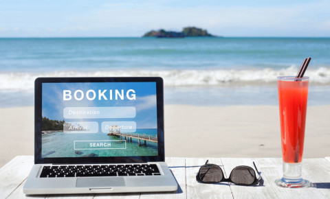 Online holiday booking site accommodation tourism 123rf