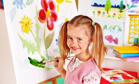 Child kid girl painting 123rf