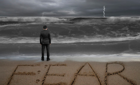 Fear businessman storm ocean 123rf 123rfbusiness