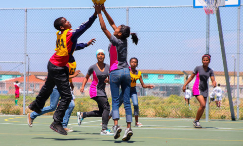Children playing Netball at school in Cape Town 123rf