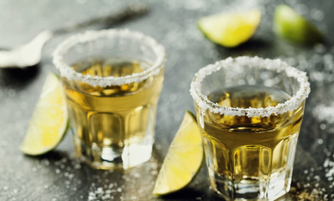 shots-tequila-alcohol-drinks-bar-club-party-booze-pub-123rf