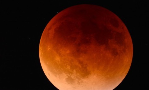 What you need to know about tonight's 'Blood Moon' eclipse - CapeTalk