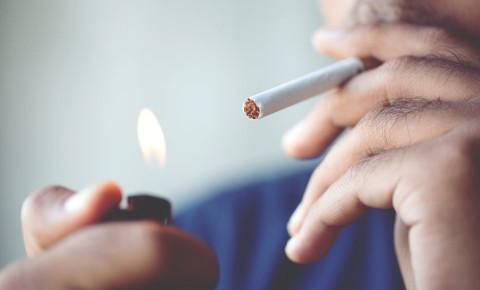 cigarette-smoker-lighting-up-lighter-smoking-tobacco-product-addiction-123rf