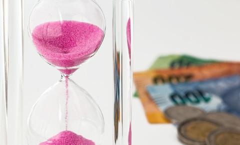 Hourglass cash money