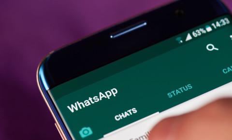 WhatsApp-Group-information-messaging-communication-texts-texting-123rf