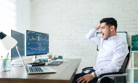 Day trader investor stocks shares equities trading 123rf 123rfbusiness