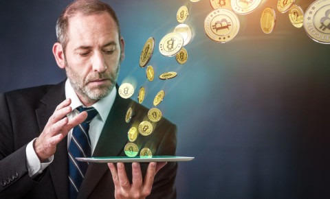 Businessman bitcoin cryptocurrency blockchain ethereum 123rfbusiness 123rf
