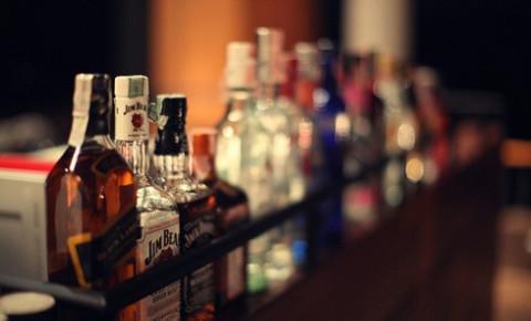 alcohol-drunk-bottles-booze-tavern