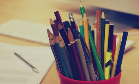 Stationary pencils sharpeners