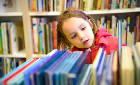 girl child books library reading literacy education learning development 123rf
