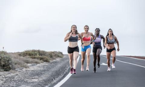 Female runners sport exercise training 123rf