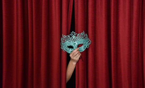 Theatre_Curtain_Mask