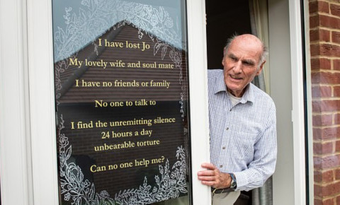 2020-09-15Widower asks for friends after wife dies