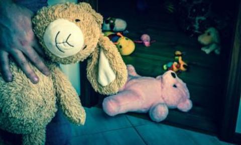 Paedophile sexual abuse children 123rflifestyle 123rfhealth 123rf
