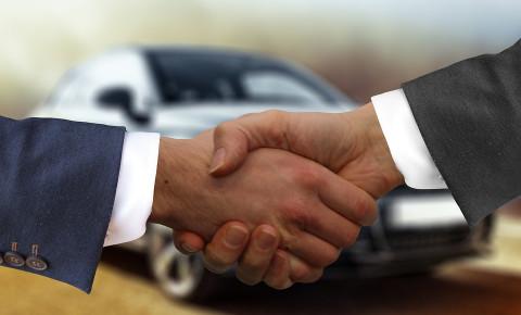 car-dealership-handshakejpg