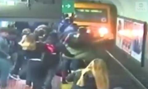 commuters-stop-trainjpg