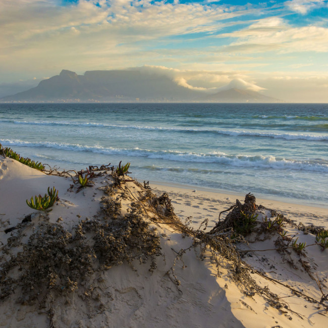 Table Mountain Blouberg Beach 123rfSouthAfrica 123rflifestyle 123rf