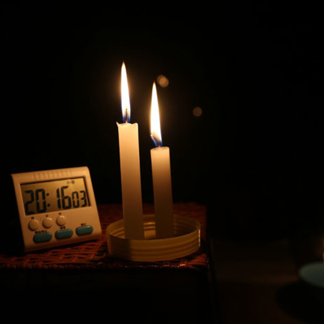 200716 candle timer-loadshedding power cuts outage