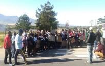 Parents in the Overberg town of Botrivier on 6 October 2020 protested following the suspension of a scholar transport service by the Western Cape Education Department. Picture: Lauren Isaacs/EWN