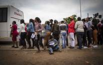 FILE: A student from the TUT Soshanguve campus crams before getting on a bus to go to her exam venue after it was changed amidst protests on campus. Picture: Thomas Holder/EWN