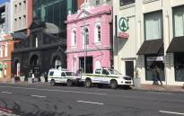 Police vehicles outside the Cape Quarter shopping centre in Green Point, Cape Town where a jewellery store was robbed on 31 July 2019. Picture: Lizell Persens/EWN