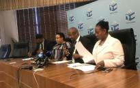 FILE: IEC CEO Sy Mamabolo (C) briefs the media on Tuesday 13 March 2018 on the first voter registration of 2018. Picture: Clement Manyathela/EWN