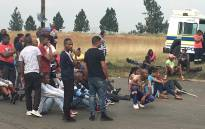 Rustervaal residents barricading a street after Gauteng Housing MEC Uhuru Moiloa failed to pitch. Picture: Robinson Nqola/EWN