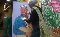 'Rasta' paints the late Oliver Mtukudzi. Picture: Mathanda Ncube/Twitter.