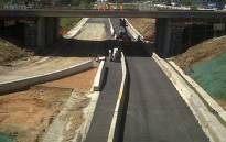 FILE: Motorists are again advised to avoid the N1 south near the Allandale offramp as construction of a bridge continues over the highway. Picture: EWN.