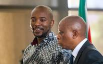 DA leader Mmusi Maimane (left) attends a briefing where Herman Mashaba (right) announces his resignation as Johannesburg mayor on 21 October. Picture: Kayleen Morgan/EWN