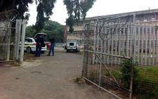FILE: Police on the scene at Spes Bona High School in Athlone where a matriculant was shot in the head. Picture: Chanel September/EWN