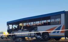 The bus crash on the N8 near Bloemfontein. Picture: @ER24EMS/Twitter