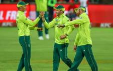 The Proteas celebrate the fall of a wicket during their Twenty20 International match against Pakistan at Newlands, Cape Town on 1 February 2019. Picture: @OfficialCSA/Twitter
