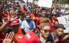 FILE: Fort Hare University students march through the campus, recruiting students as they toyi-toyi against a hike in fees and what they say is a corrupt administration. Picture: Thomas Holders/EWN.