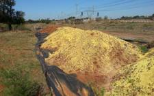In March eight carriages containing hundreds of tons of granular sulfur derailed in Kameeldrift, Pretoria.