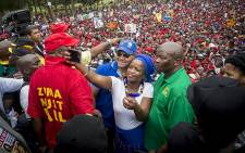 Members of the DA John Moodey (left) and Phumzile van Damme (centre) pose for a selfie with the UDM's Bantu Holomisa at the 'Day of Action' march against the leadership of President Jacob Zuma in Pretoria on 12 April 2017. Picture: Reinart Toerien/EWN