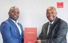 FILE: Tshwane Mayor Solly Msimanga and city manager Moeketsi Mosola. Picture: @MosolaMoeketsi/Twitter