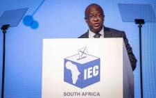 CEO of IEC Simon Mamabulo addresses those gathered at the IEC ROC for the election results. Picture: Thomas Holder/EWN.