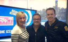 Eddie Izzard spoke to the Breakfast Xpress team at 94.7 on Friday Morning. Picture: 94.7 Highveld Stereo.