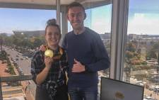 EWN Sport's Cato Louw with Paralympic star Charl du Toit. Picture: EWN