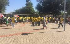 Thousands of people continue to make their way to the Royal Bafokeng stadium ahead of ANC birthday celebration on 9 January 2016. Picture: Thando Kubheka/EWN.