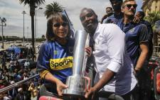 Cape Town City FC were joined by Mayor Patricia de Lille on their open bus tour to celebrate their MTN 8 success. Picture: Cindy Archillies/EWN