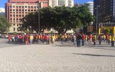 Metrorail workers affiliated with Satawu strike in Cape Town on 7 April 2016. Picture: Monique Mortlock/EWN.