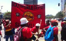 Last year Pikitup employees affiliated to Samwu embarked on an unprotected strike through the streets if Johannesburg.Picture: Kgothatso Mogale/EWN