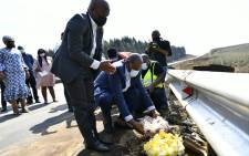 Premier Sihle Zikalala and Transport MEC Peggy Nkonyeni on 3 September 2021 visited the site of the crash on the R612 between Highflats and Ixopo where a minibus taxi collided with a truck. Picture: @kzngov/Twitter.