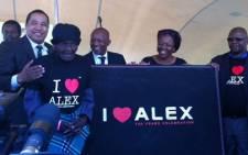 Alex' oldest resident Selina Njakanjaka signs a pledge. Picture: EWN